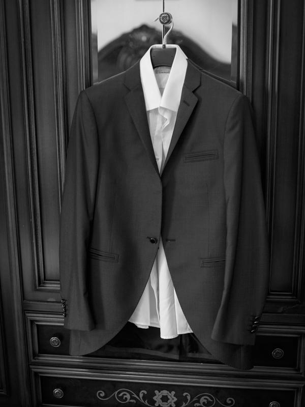 Traje de hombre negro para eventos o bodas